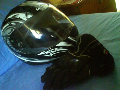 Schuberth R1 on bed